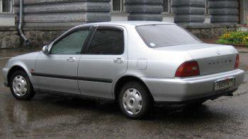Honda Domani vue de l'arrière